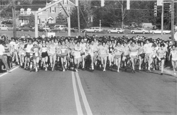 The start of the 1979 Turkey Trot, a 10 mile race at that time