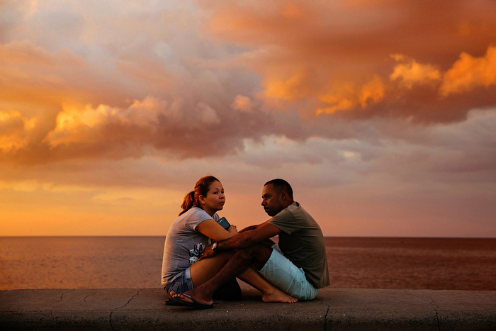 Lovers Along The Malecon