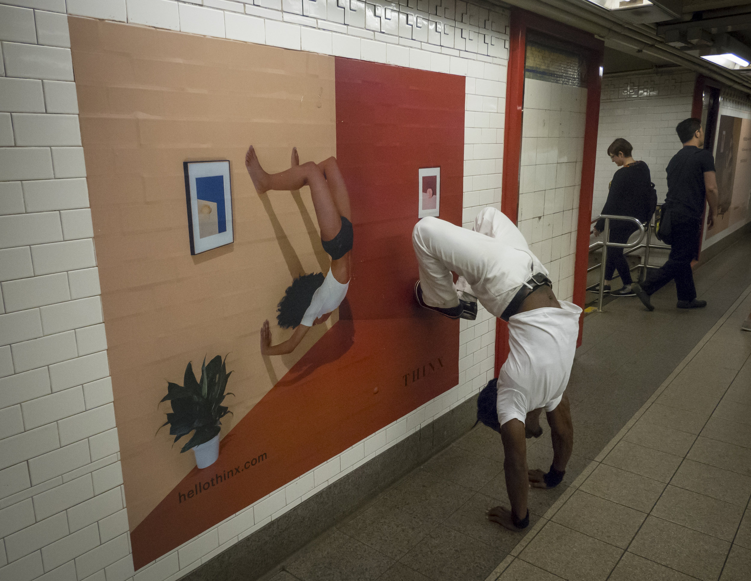 Honorable MentionAnthony Delmundo/Daily News SUBWAY HANDSTANDPersonal trainer and dance instructor Michael Mason shows off and performs a handstand for commuters at Union Square station in New York on Friday, June 10, 2016.