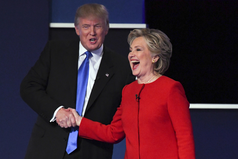 Exhibit AwardRobert Deutsch/USA TodayTHAT WAS GREAT—NOTDemocratic presidential candidate Hillary Clinton shakes hands with Republican presidential candidate Donald Trump on stage at the conclusion of the first presidential debate at Hofstra University in Hempstead, New York, September 26, 2016.