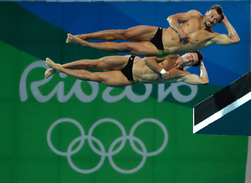 Synchro Divers