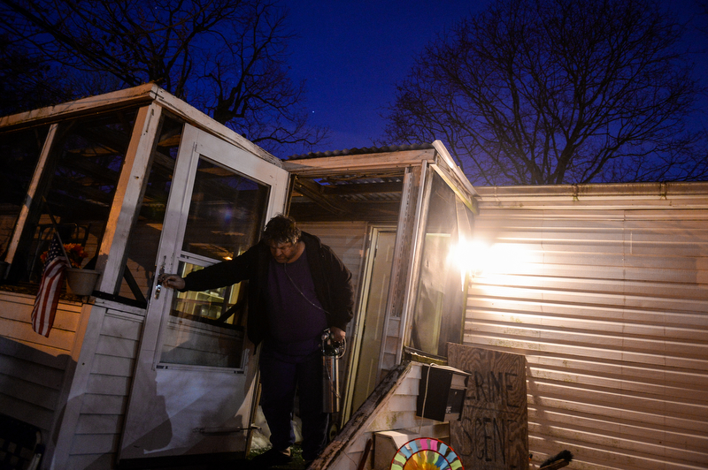 FEATURE PICTURE STORY — New York Press Photographers ... on decorating old mobile homes, selling old mobile homes, fixing up rv, double wide mobile homes,