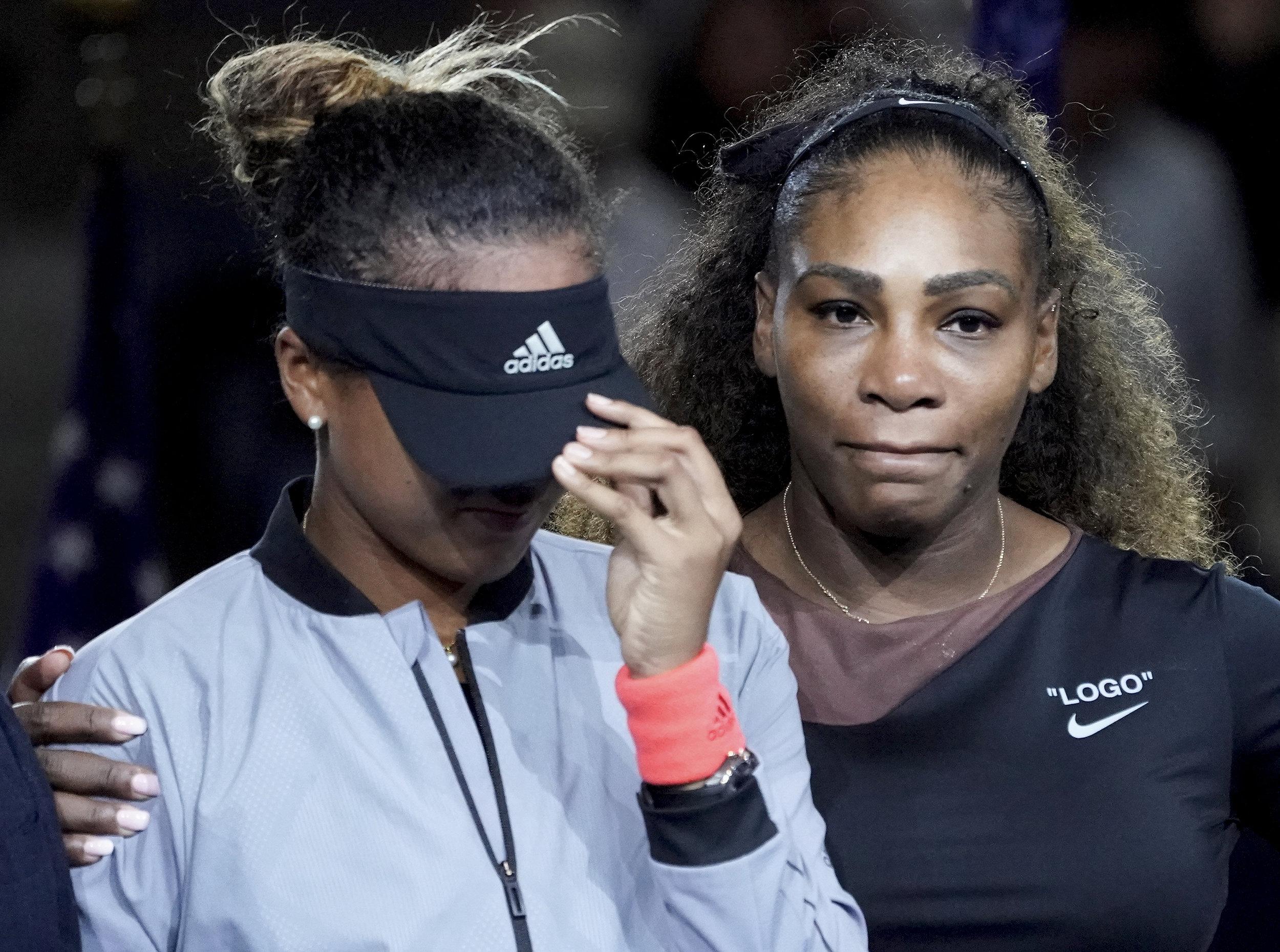 - 1st Place - Robert Deutsch - Naomi Cries Serena Comforts - USA Today