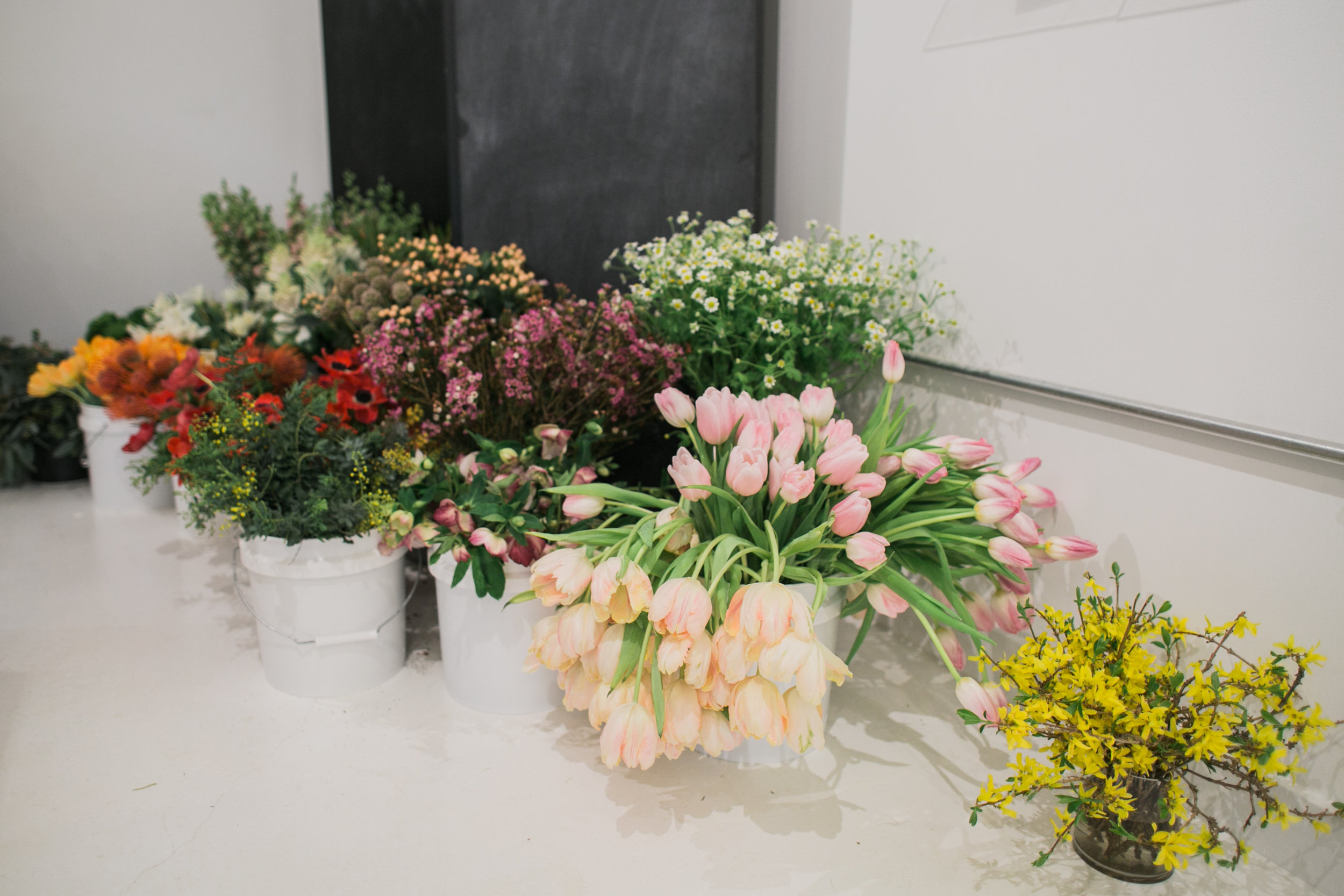 ©AlexisJuneWeddings_GalentinesFloralWorkshop-25.jpg
