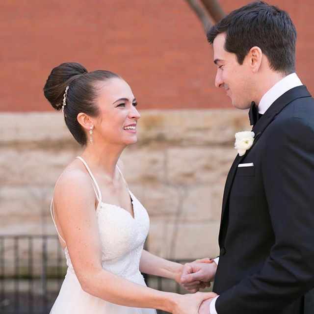 She's a dream ✨ And he thinks so, too! Happy April 8 Meghan+Jim 💓 . . . 📸 :: @slackphoto  #mua #muachicago #makeupartist #makeupartistchicago #bride #bridalmakeup #bridalmakeupartist #bridetobe #aprilbride #minimakesmepretty #chicagobride #chicagowedding #chicagomakeupartist #hotellincoln #megandjimforthewin