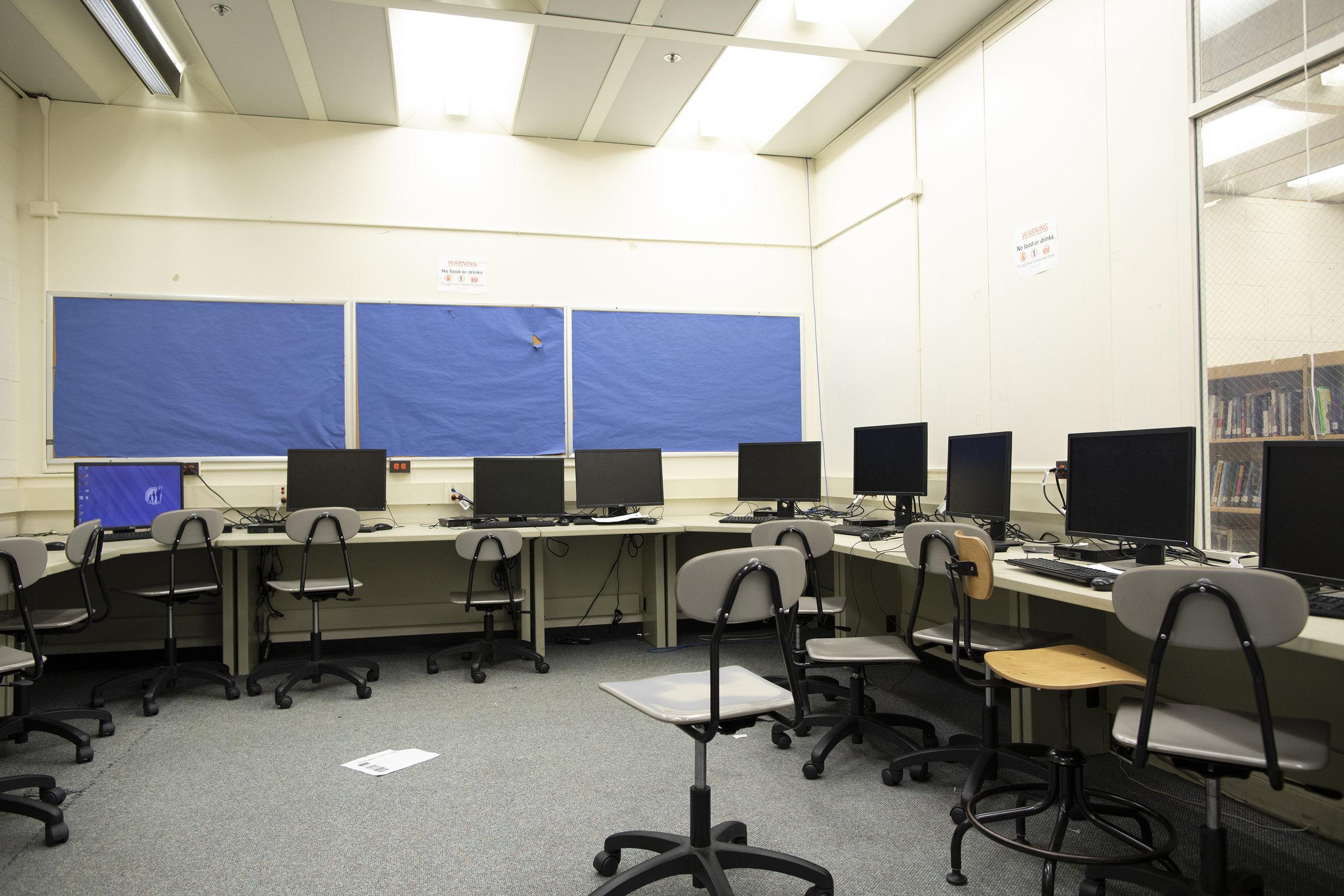 Lift Life_Michele Clark Chicago_Trip 1_Computer Lab 0007.jpg