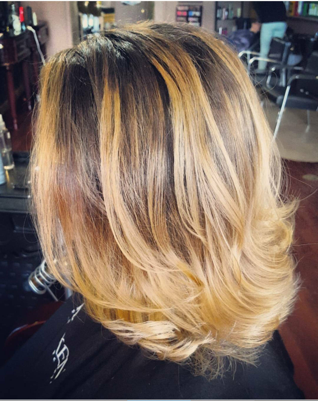 Custom_Color_Blonde_Dimensional_Painted_Highlights.jpg