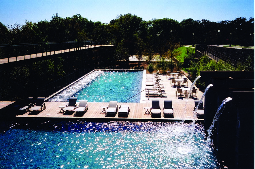 AR_Ext_DryCreekLodge_Pool_Fountains.jpg