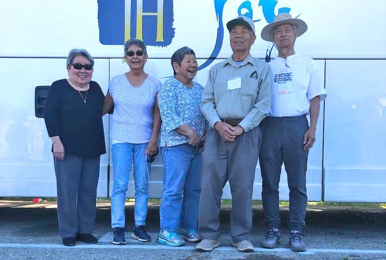 Former incarcerees Sally Yonenaga, Jean Tajima, Carlene Tamichi, Shin Mune, and Tom Oshidari.