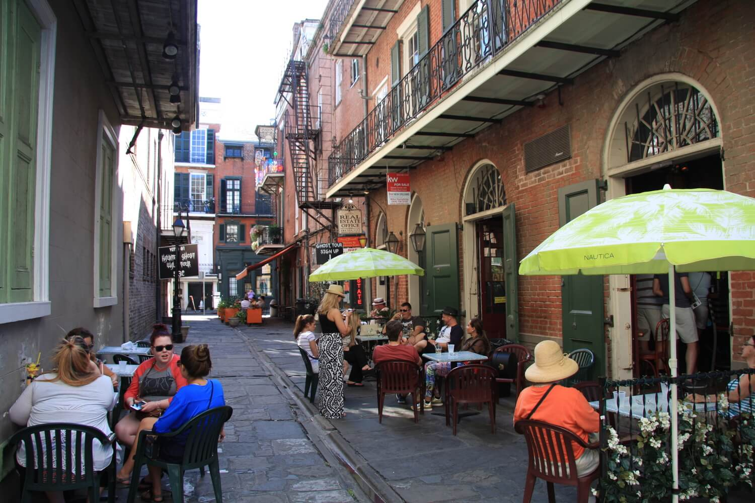 Side Alley in New Orleans' French Quarter