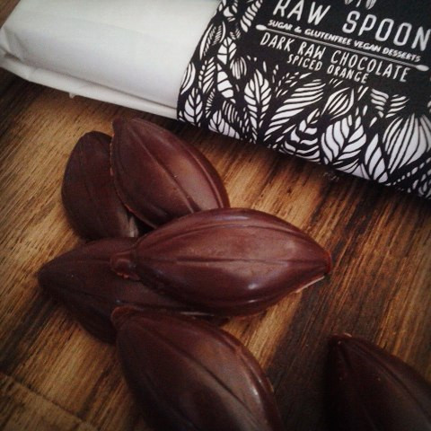 A new flavour is born...Spiced Orange Raw Chocolate...Fruity & Spicy at the same time :) #veganlife #plantbased #sugarfree #rawchocolate #rawtreats #rawspooon
