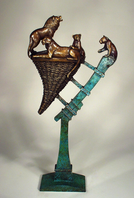LION BASKET  Bronze / 25″ x 12″ x 6″
