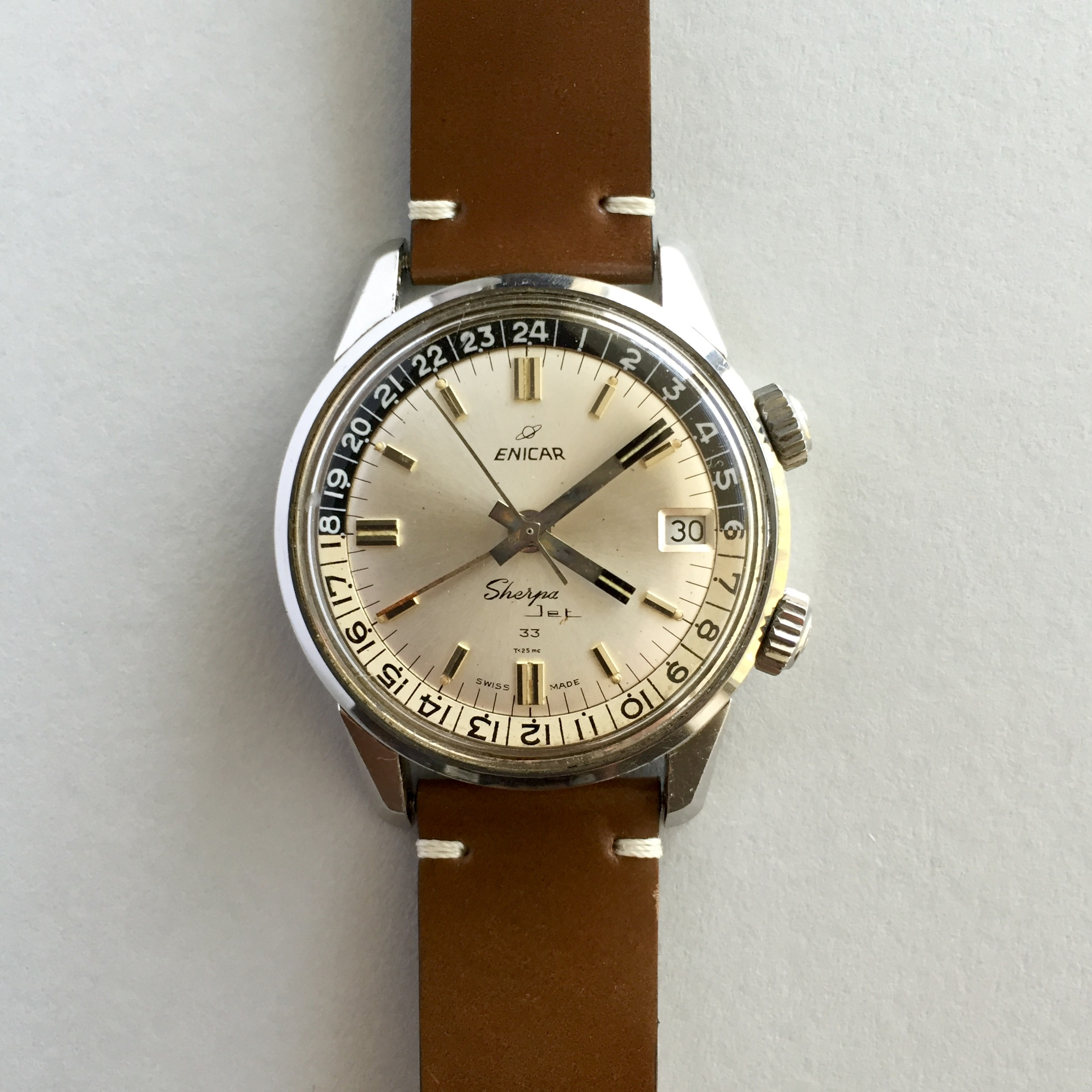 This is the main watch I had in mind with this strap, it brings out the warm patina of the dial so well.