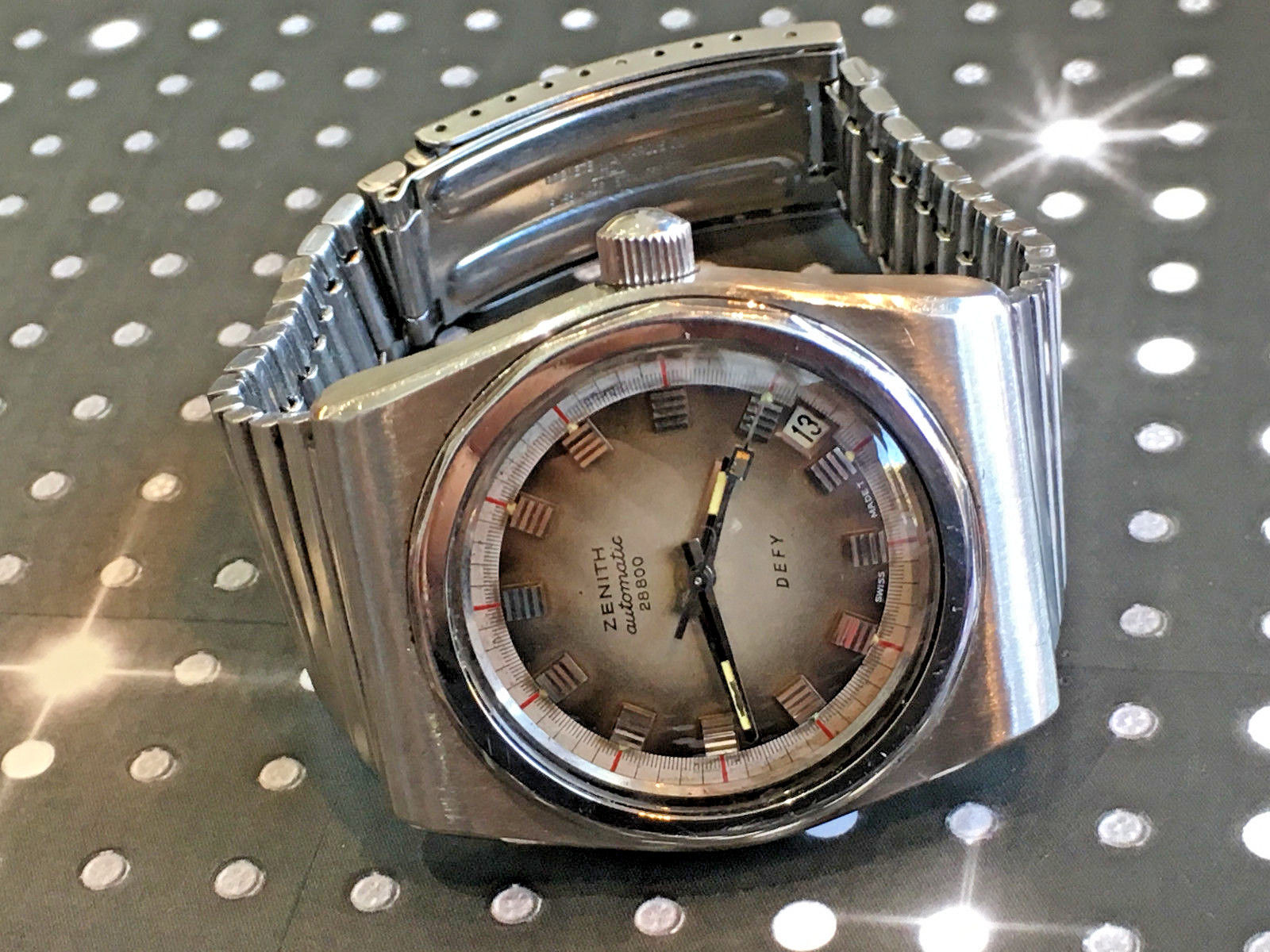 Funky and original Zenith Defy that would make a great weekend watch! Pic courtesy of eBay listing.
