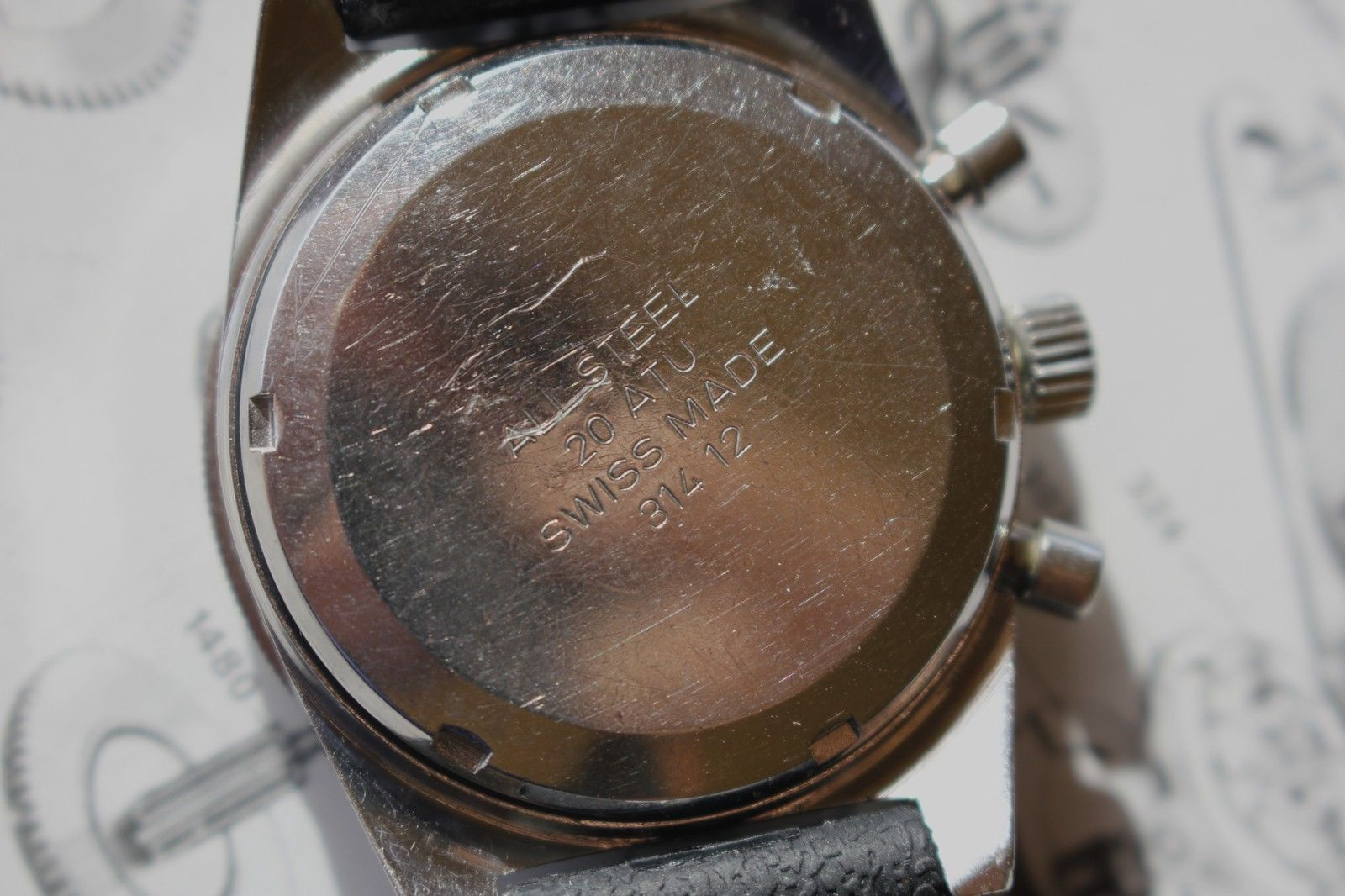 Such a clean and attractive watch, and in really great shape. Photo from eBay listing, click through to bid.