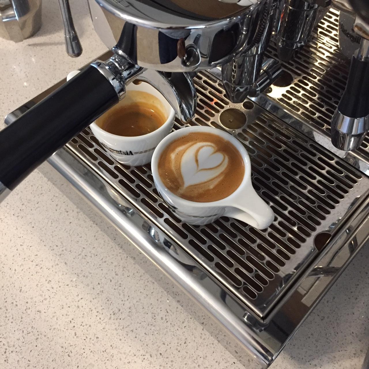 Crema Coffee Roasters Tres Banderas macchiatto.JPG
