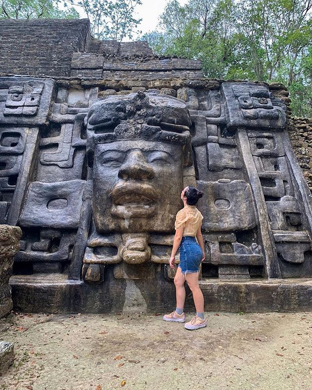 Get up close and personal with the history of Belize at the Lamanai ruins! -------------------------------------------------- 📸: @dbohtravels