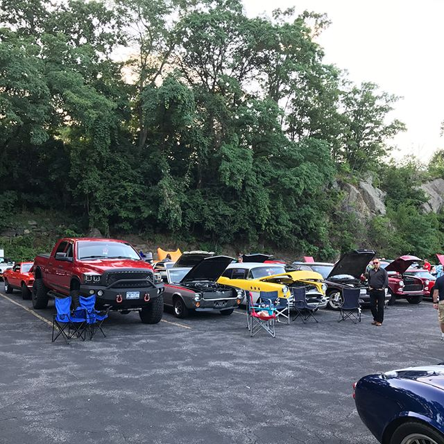 Thank you all!!! Great show the other night!!! #carshow #cruisenight #californiapizzakitchen #cpk #mopar #trophies #fun #spring #summer #music #cars #classics #antiques #musclecar #moparsofwestchester
