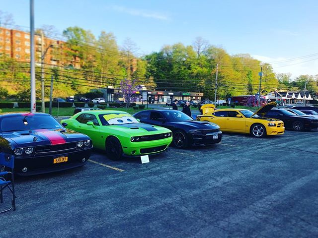 It'll probably be a slow night due to the heat but we are here!!! We are on! #carshow #cruisenight #moparsofwestchester #moparsofwestchestercruise