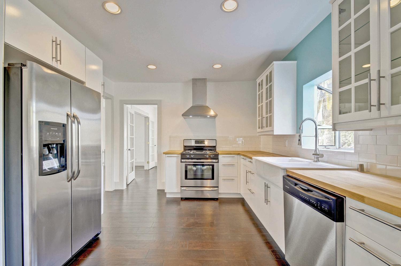kitchen-p375369_web.jpg