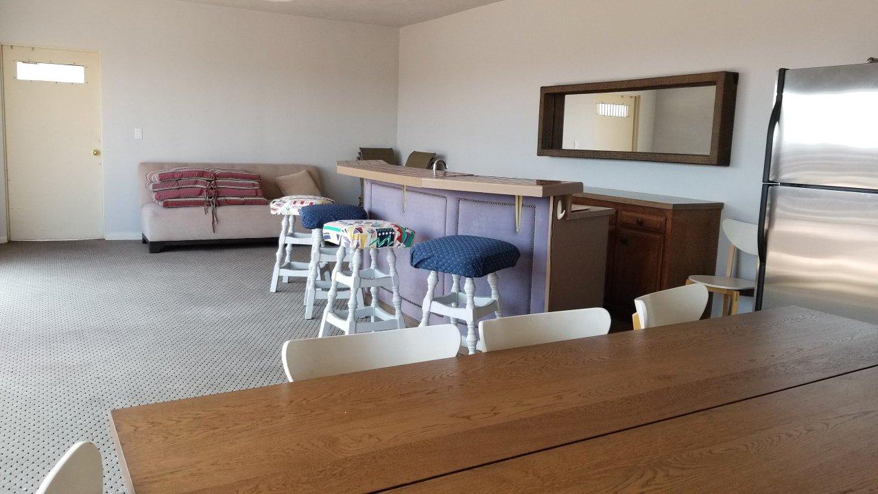 14Rooftopgatheringroom.jpg
