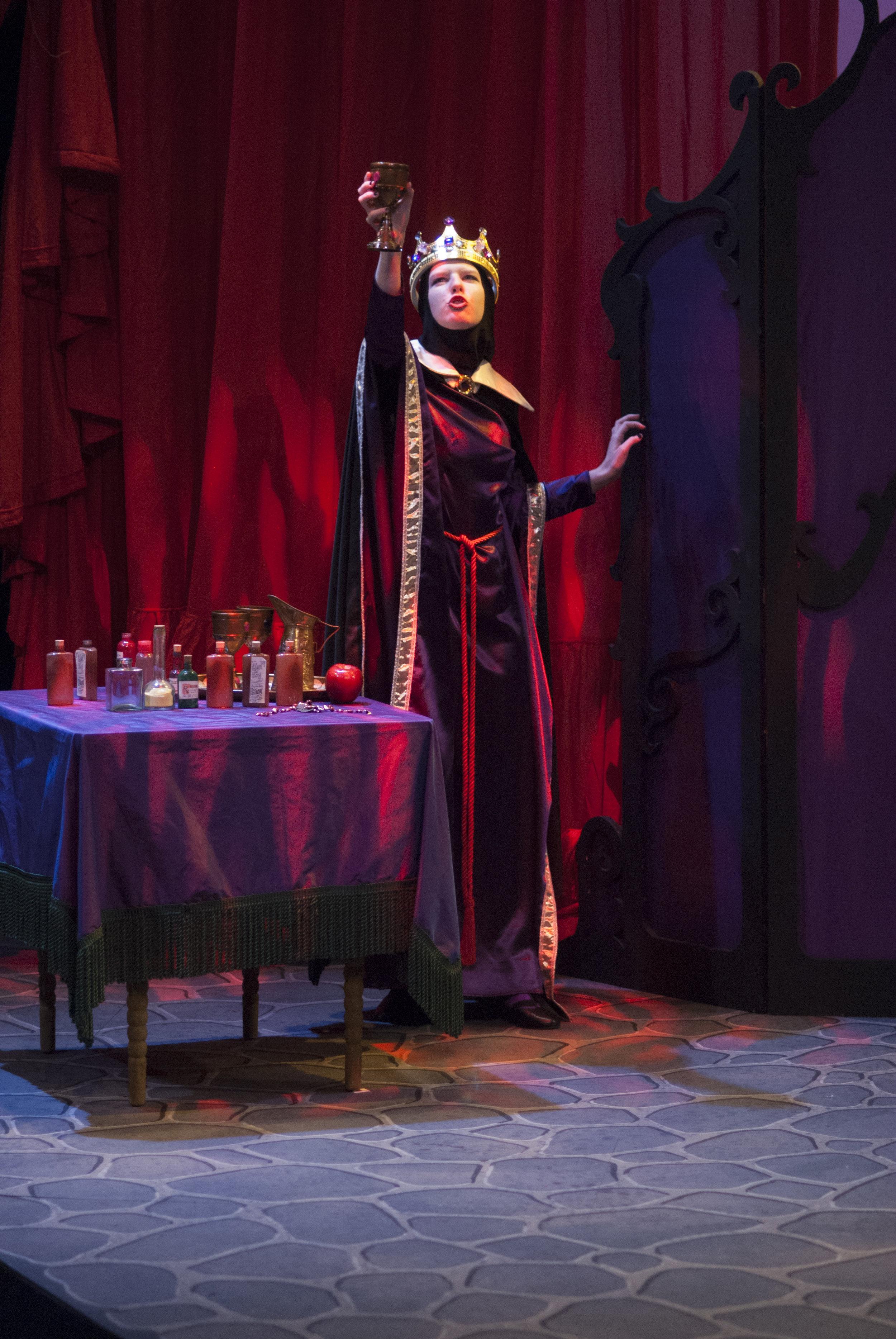 045-Snow White Performance-Hirez.jpg