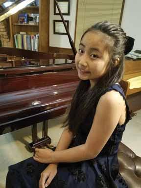 Yuka Yang, piano