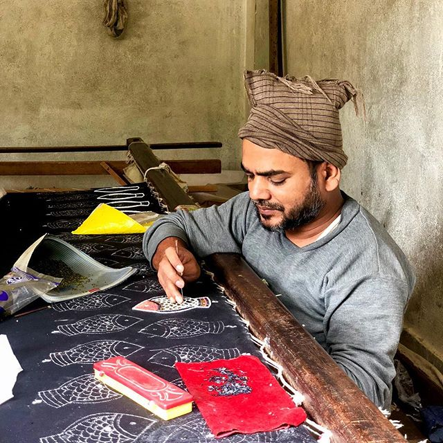 Mohammedisha is a masterful bead artisan from Janakpur, Nepal and learned his trade in Delhi more than 20 years ago. When asked which product he most enjoys creating, he said for him it doesn't matter so much; it only matters that he puts his heart into each piece that he creates.  #inspired #create #beads #handmade #friday #nepal #artisans #kathmandu #dignitycollective . . . . . . . . . . . #picoftheday #fridays  #sustainableliving #artisanship #empower #veganbeauty #ethicalfashion #fairtrade #endslavery #crueltyfree #inspiration #ecofashion #fashionrevolution #sustainablefashion