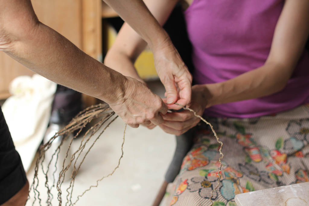 Weaving with found natural fibres