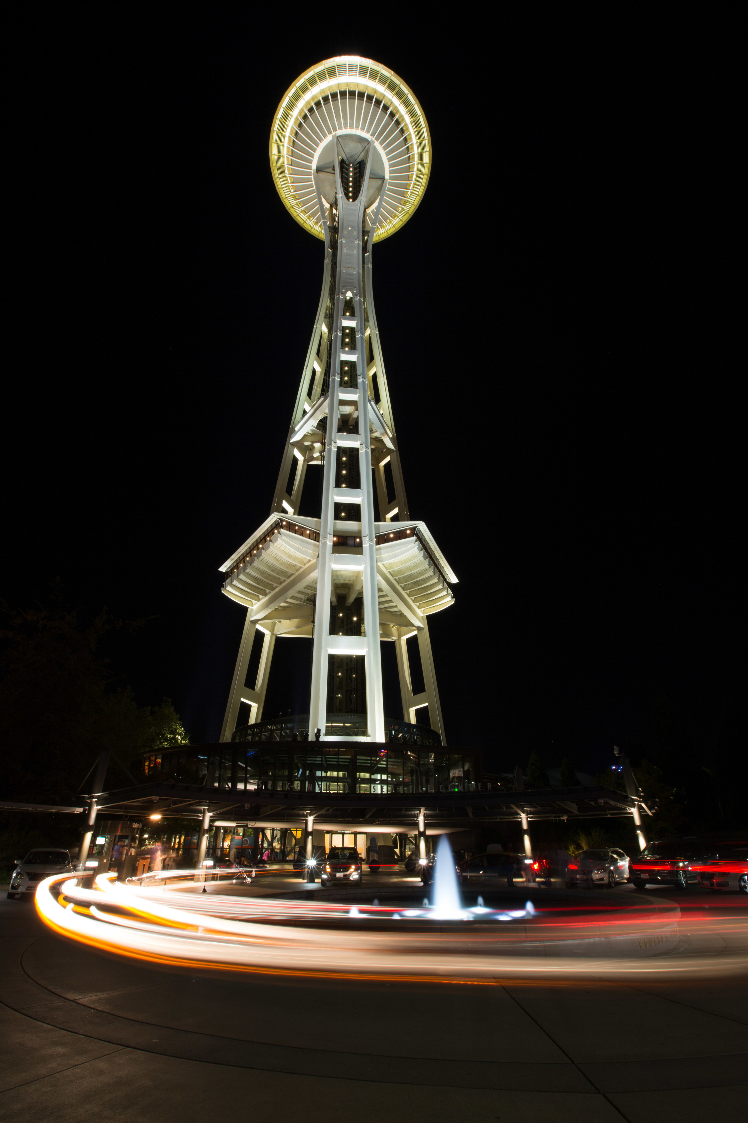 The AV was set to 20 in this photo to ensure I had good focus all the way to the top of the Space Needle without loosing focus on the parking area below.