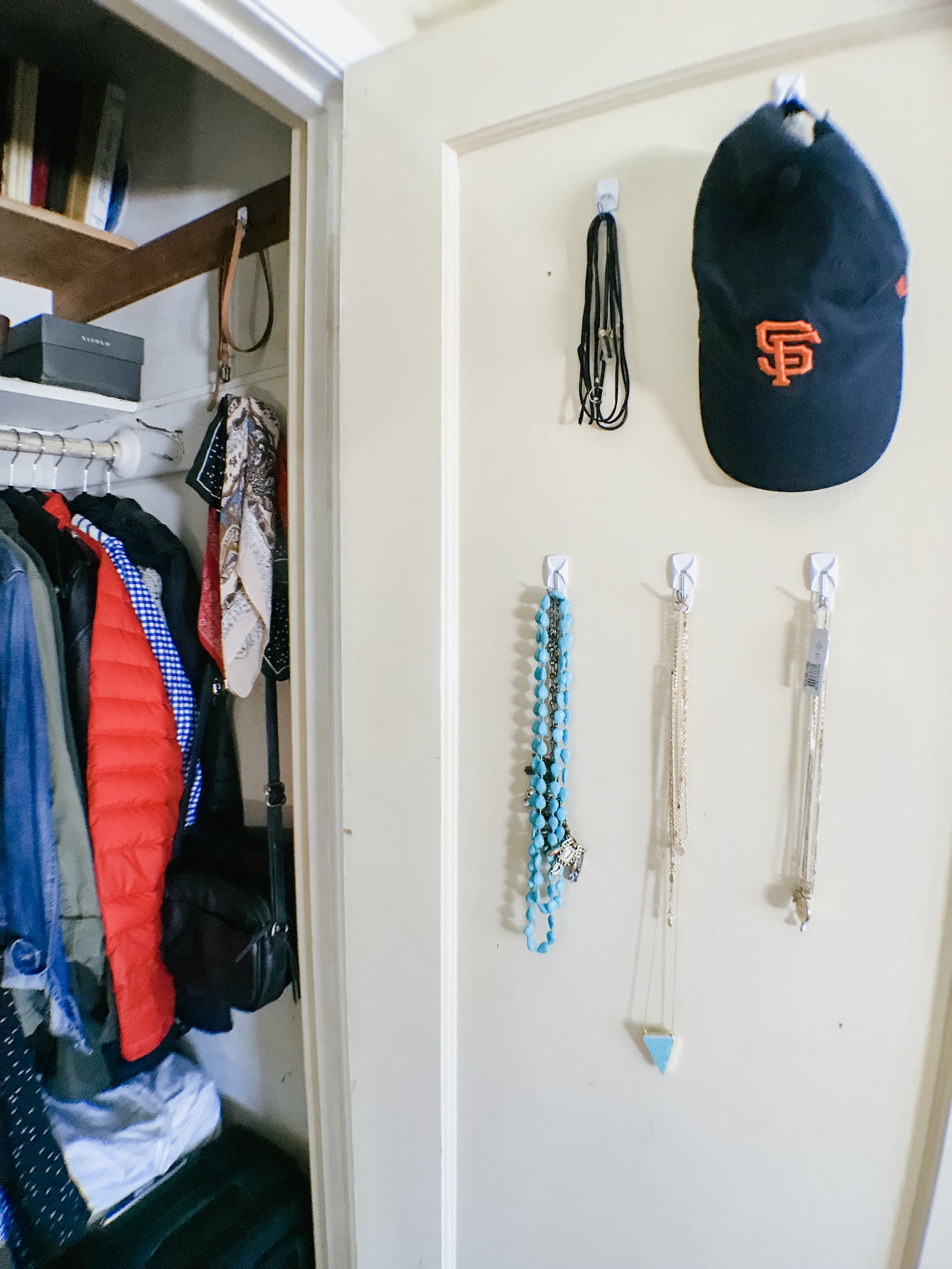 minimalist minimalism live simply curated closet