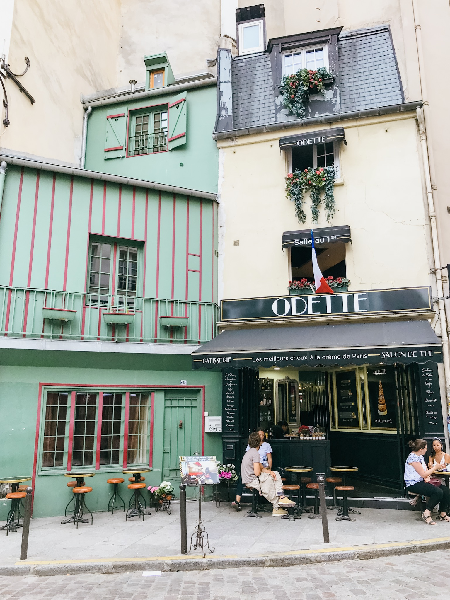 paris france odette patisserie