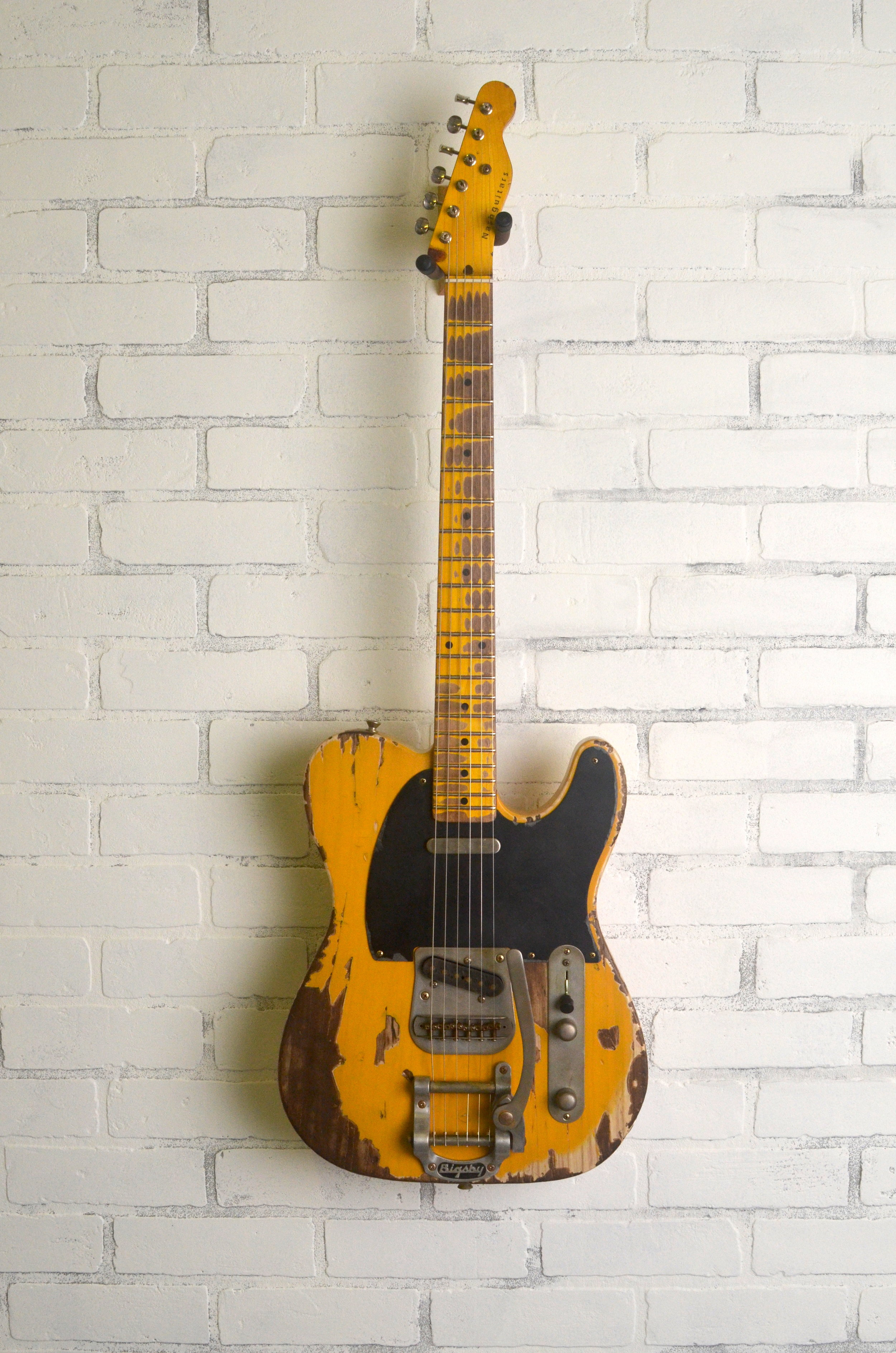 Butterscotch Blonde on Ash w/Bigsby  1-ply Black Guard  Extra Heavy Aging