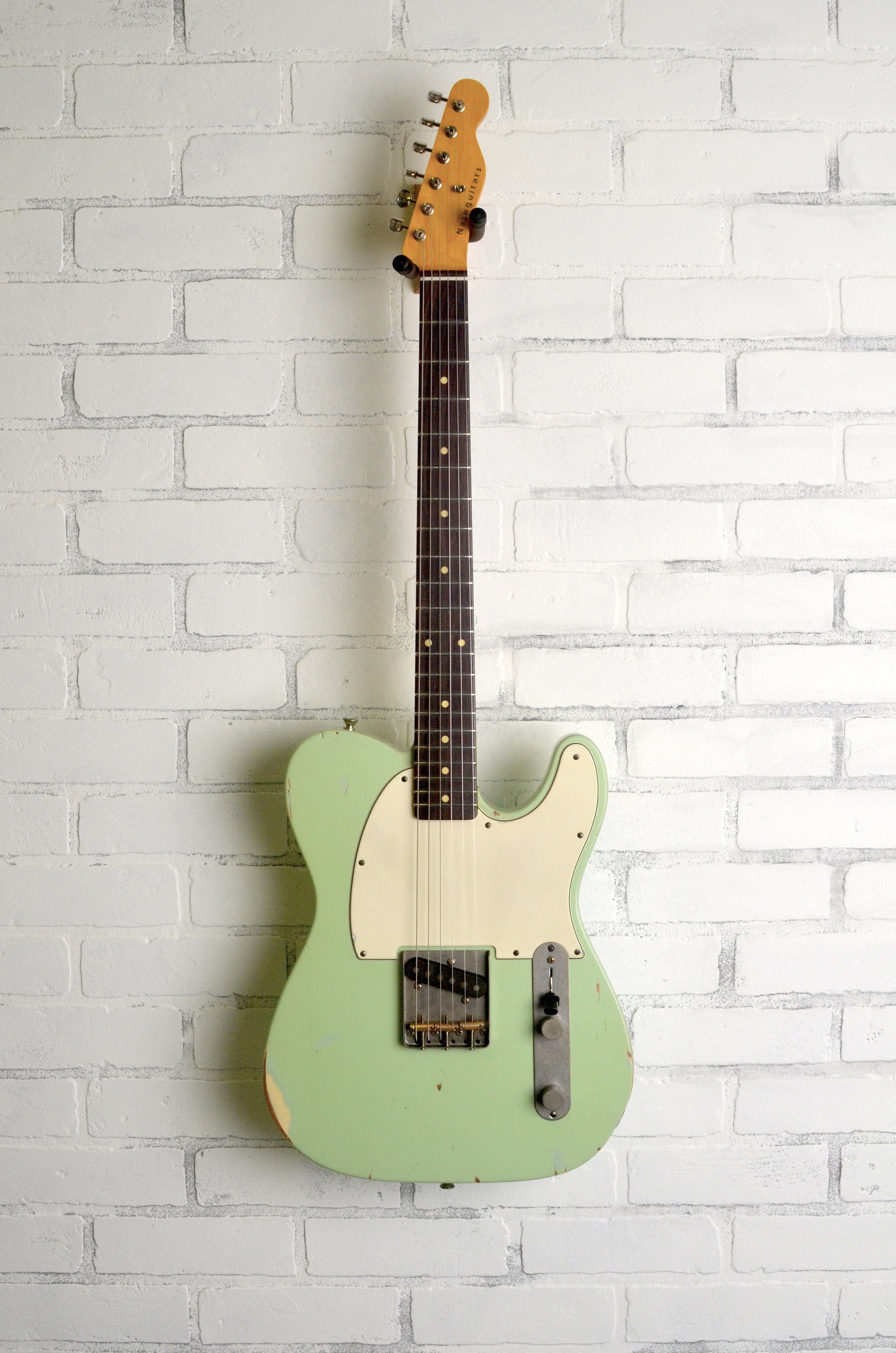 Surf Green  3-ply White Guard  Light Aging