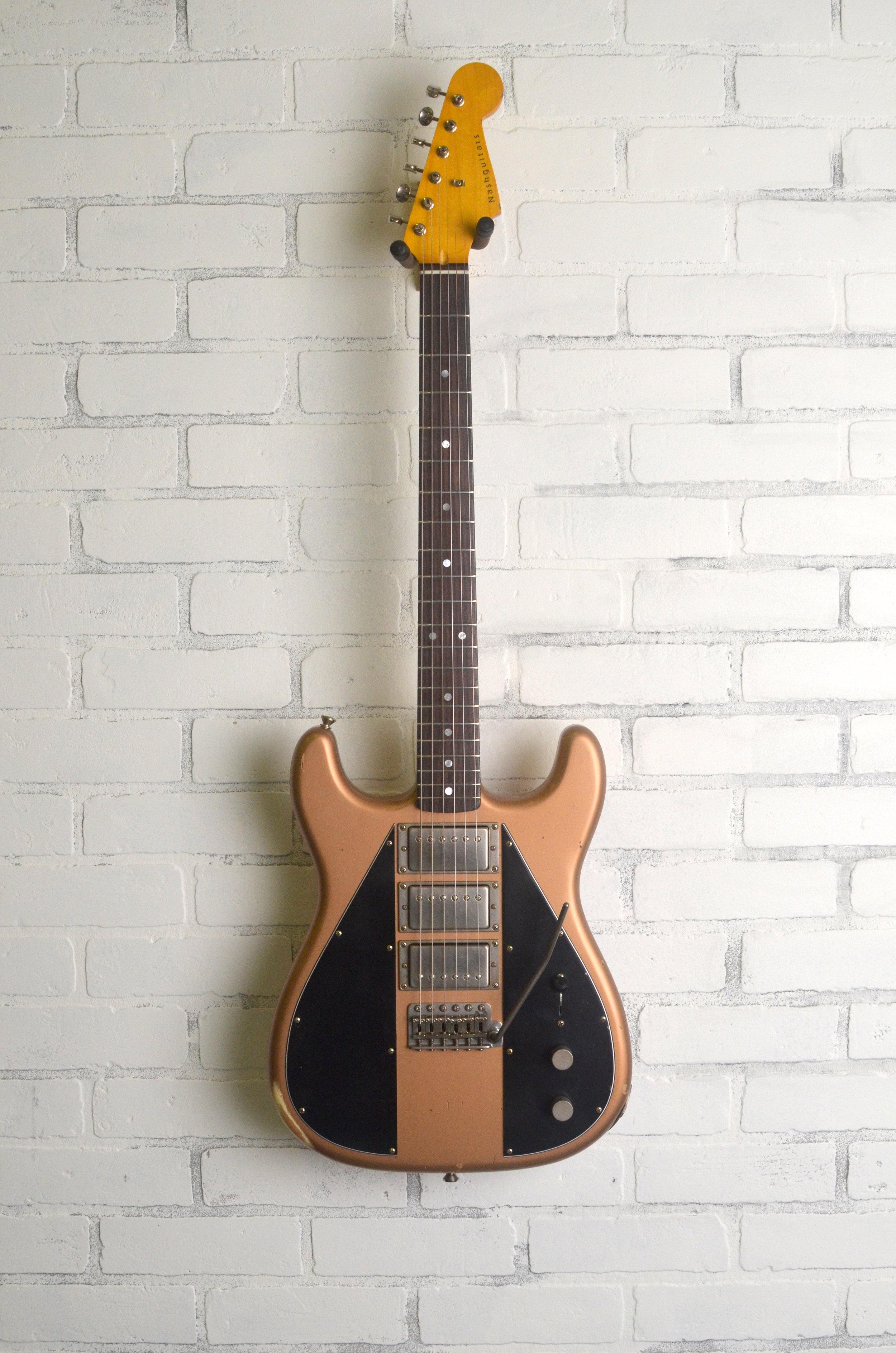Les Paul Gold // Black // Closed