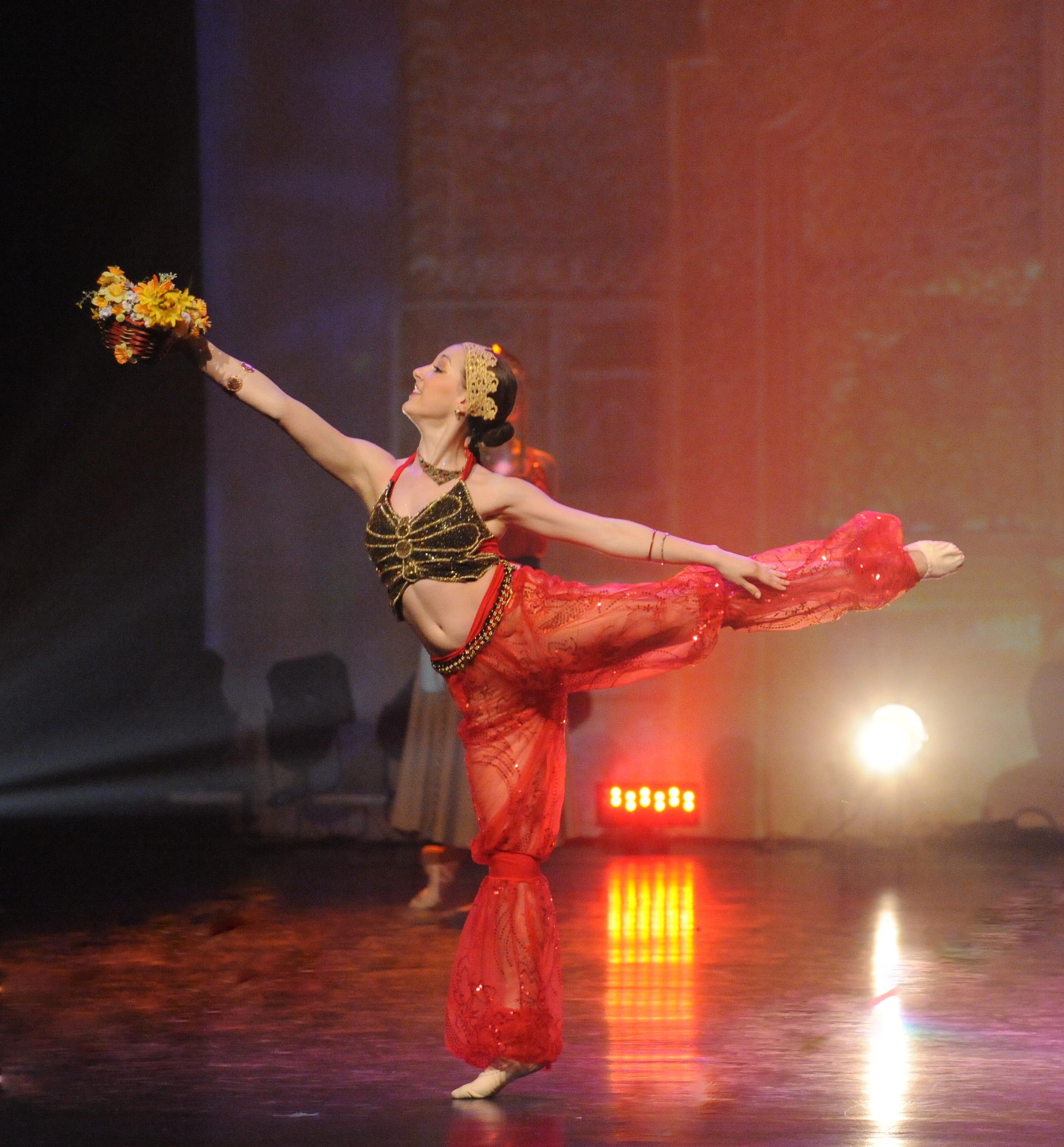 Alexina arabesque.jpg