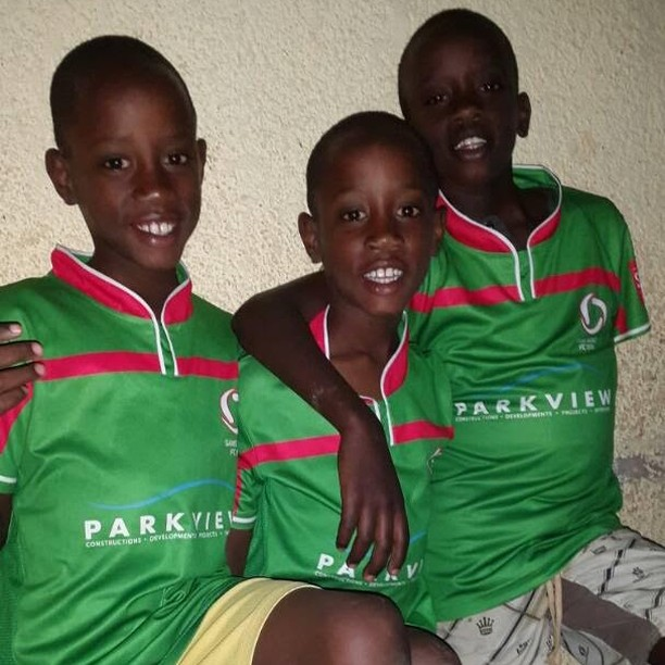 Sans Souci Jerseys have arrived in Rwanda! Here are some very very happy kids wearing our colours in an area called Nyamata, about 30 min from the capital of Rwanda. 😊😊⚽👍#rwanda #sanssouci #ssfc #gosouci #sanssoucifc  #rwandalife #rwandaful #rwandanculture #charity #africa #african #africanlove #africaunite
