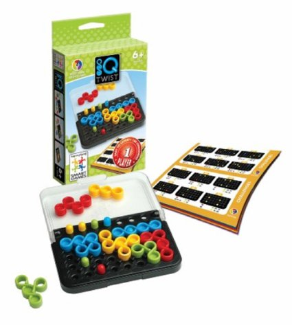 IQ Twist : Starting with simple puzzles and advancing to complex challenges, this game will sharpen your mind and visual skills.