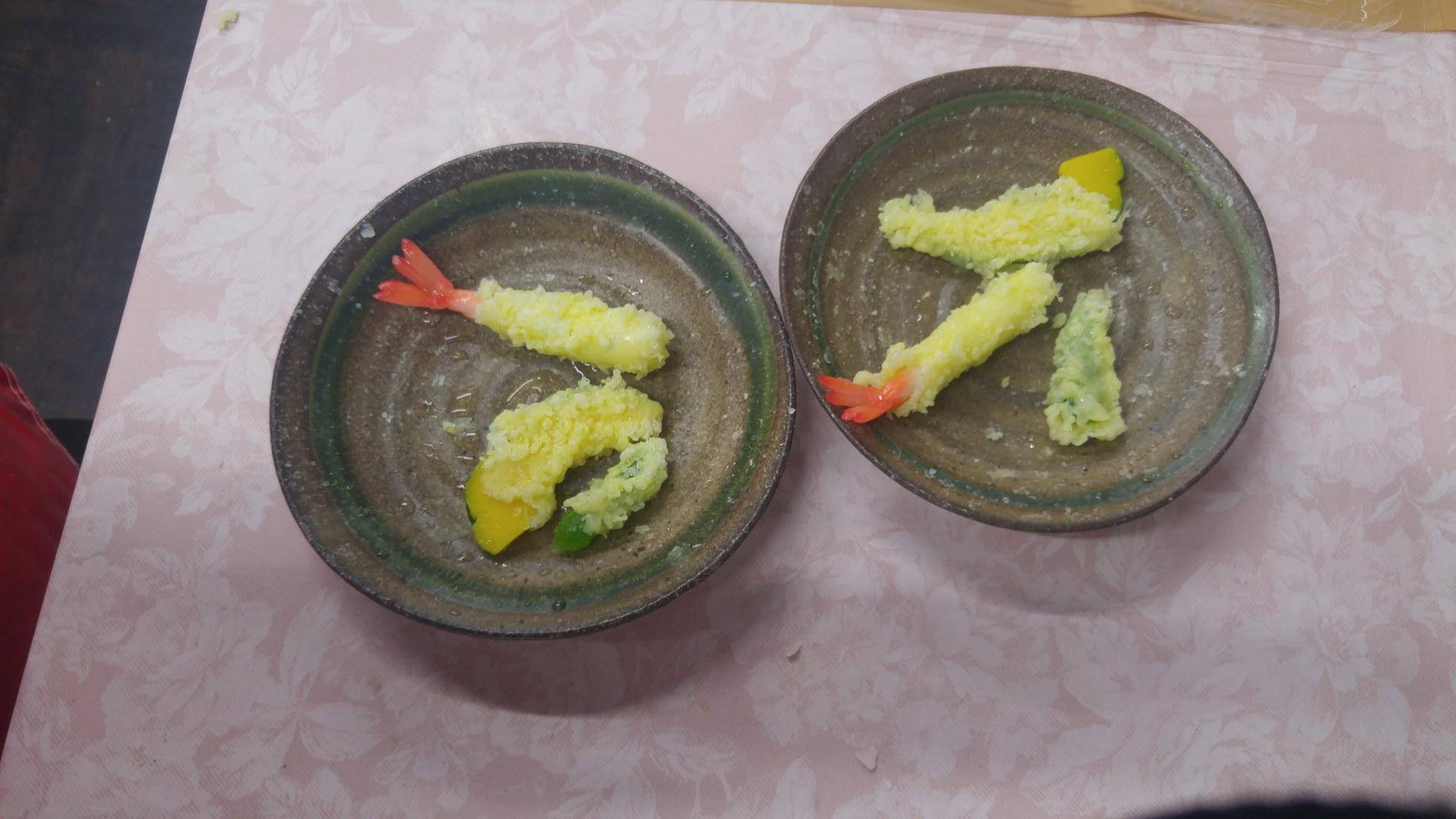 """Making fake food models (""""samples"""" in Japanese) of tempura"""