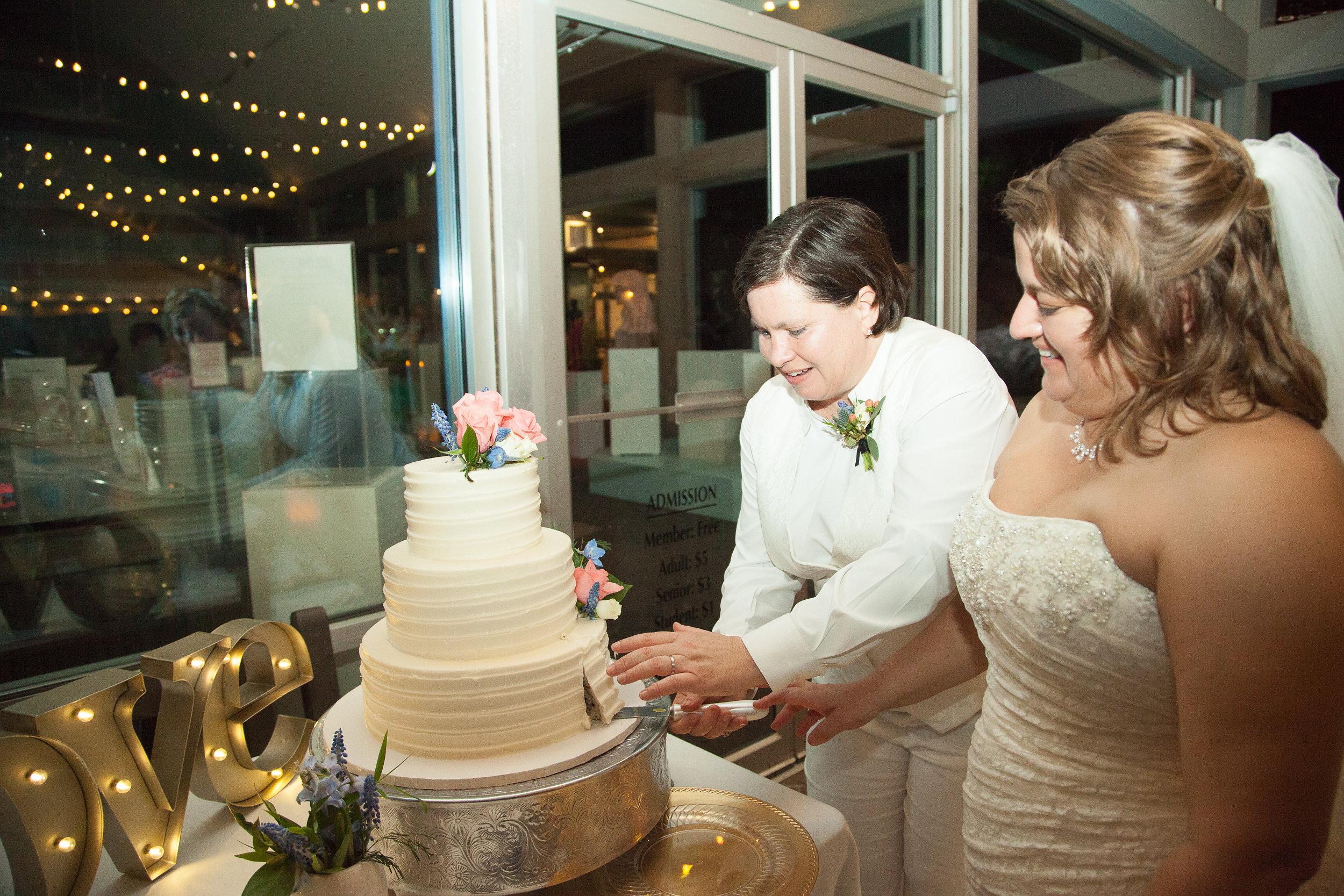Tiffany&SaraWedding-3-8726-886.jpg