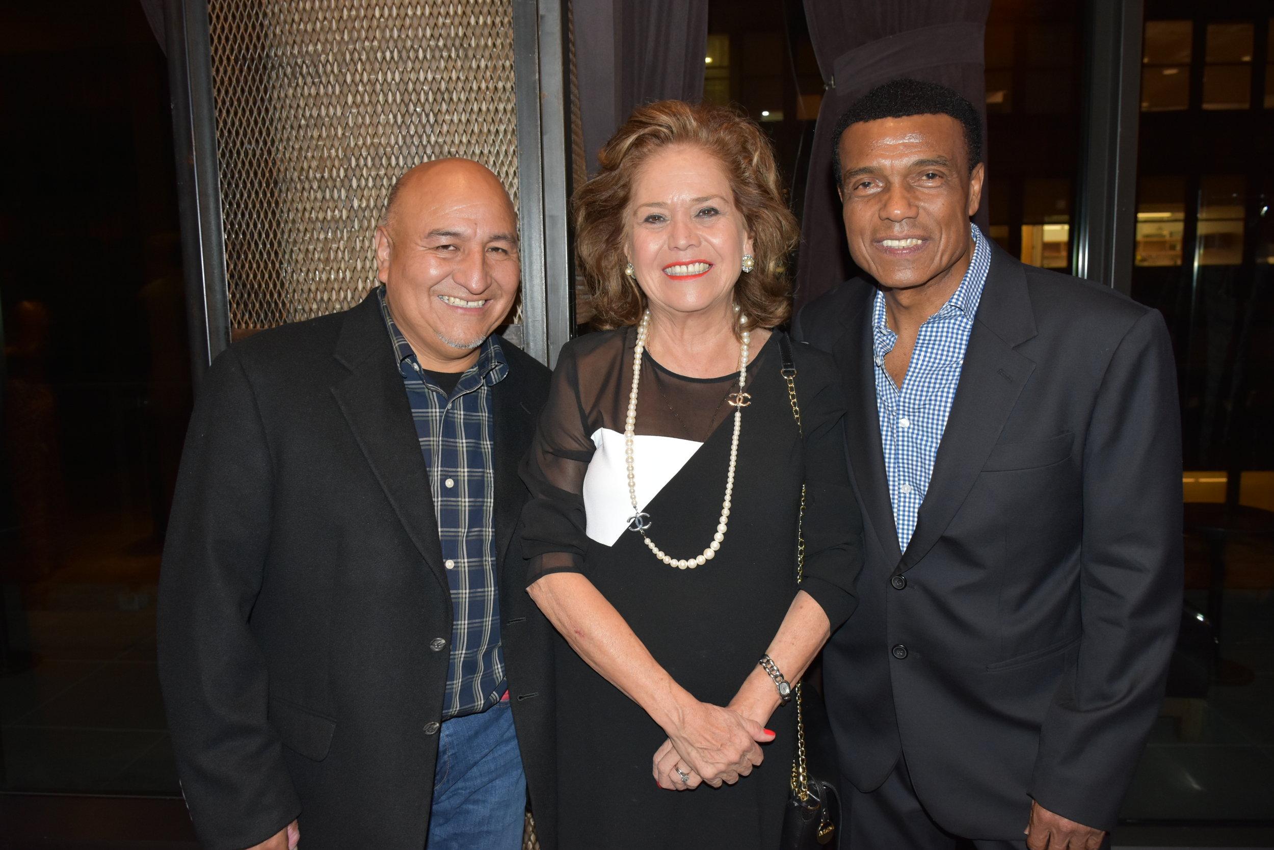 DSC_4688 - Augusto Yallico, Maria Teresa Merino de Hart (Consul General en NY) y Teofilo Cubillas.JPG