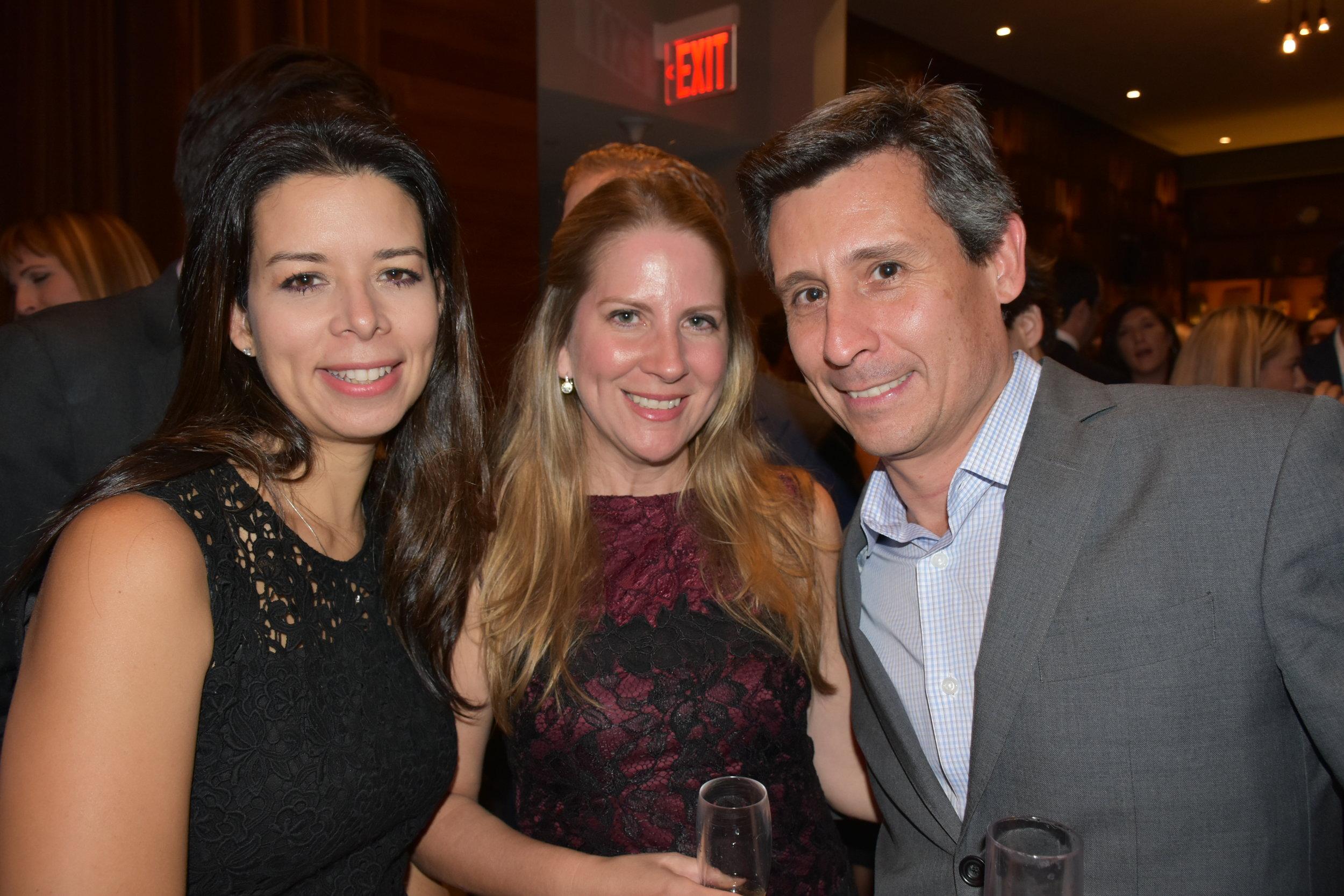 DSC_4788 -Marianela Faria, Juliette Roux y Augusto Urmeneta.JPG