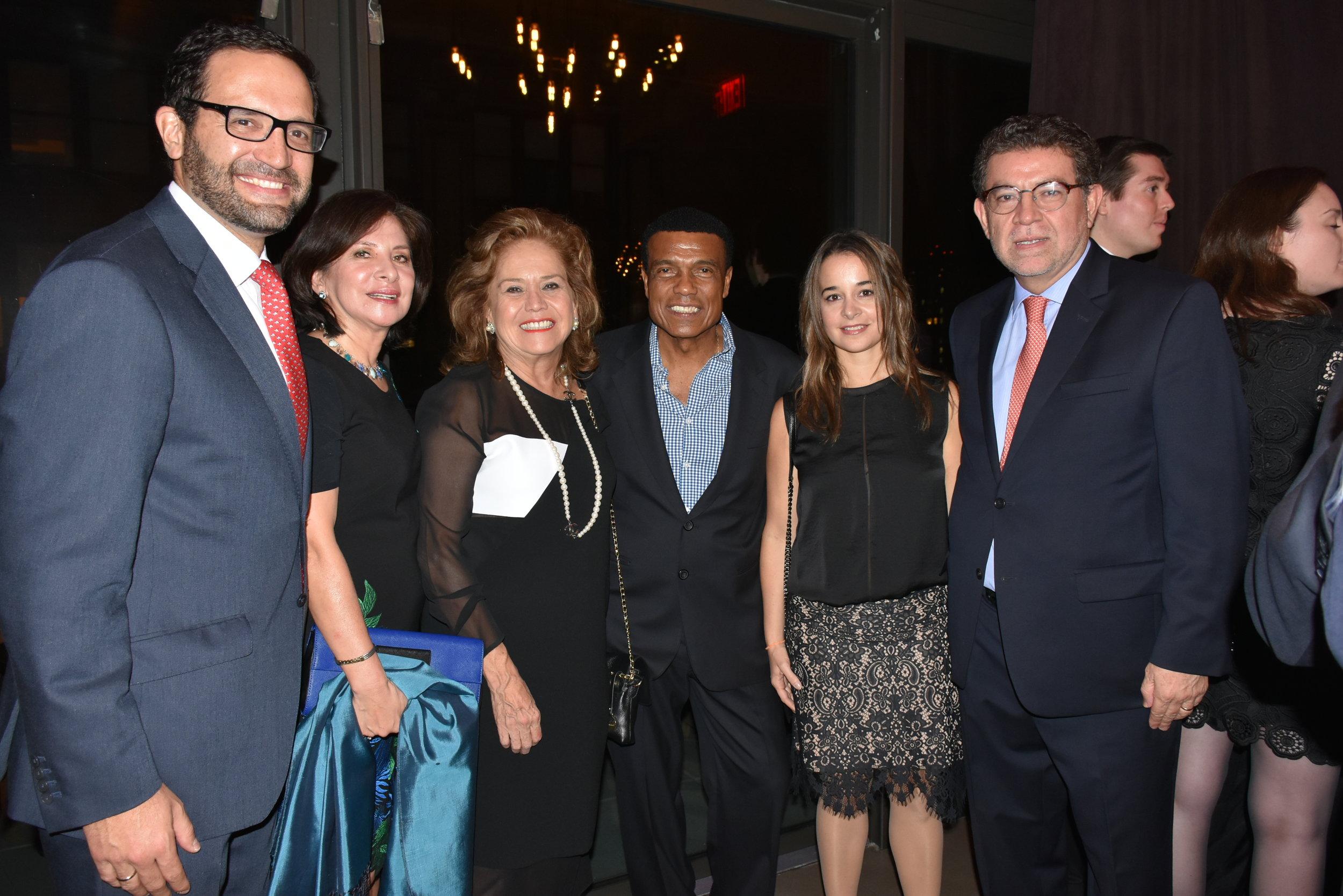 DSC_4814 - Fernando Bravo, Sonia Meza Cuadra, Maria Teresa Merino de Hart (Consul General en NY), Teofilo Cubillas, Maria Spinzi y Gustavo Meza Cuadra (Embajador ante las Naciones Unidas).JPG