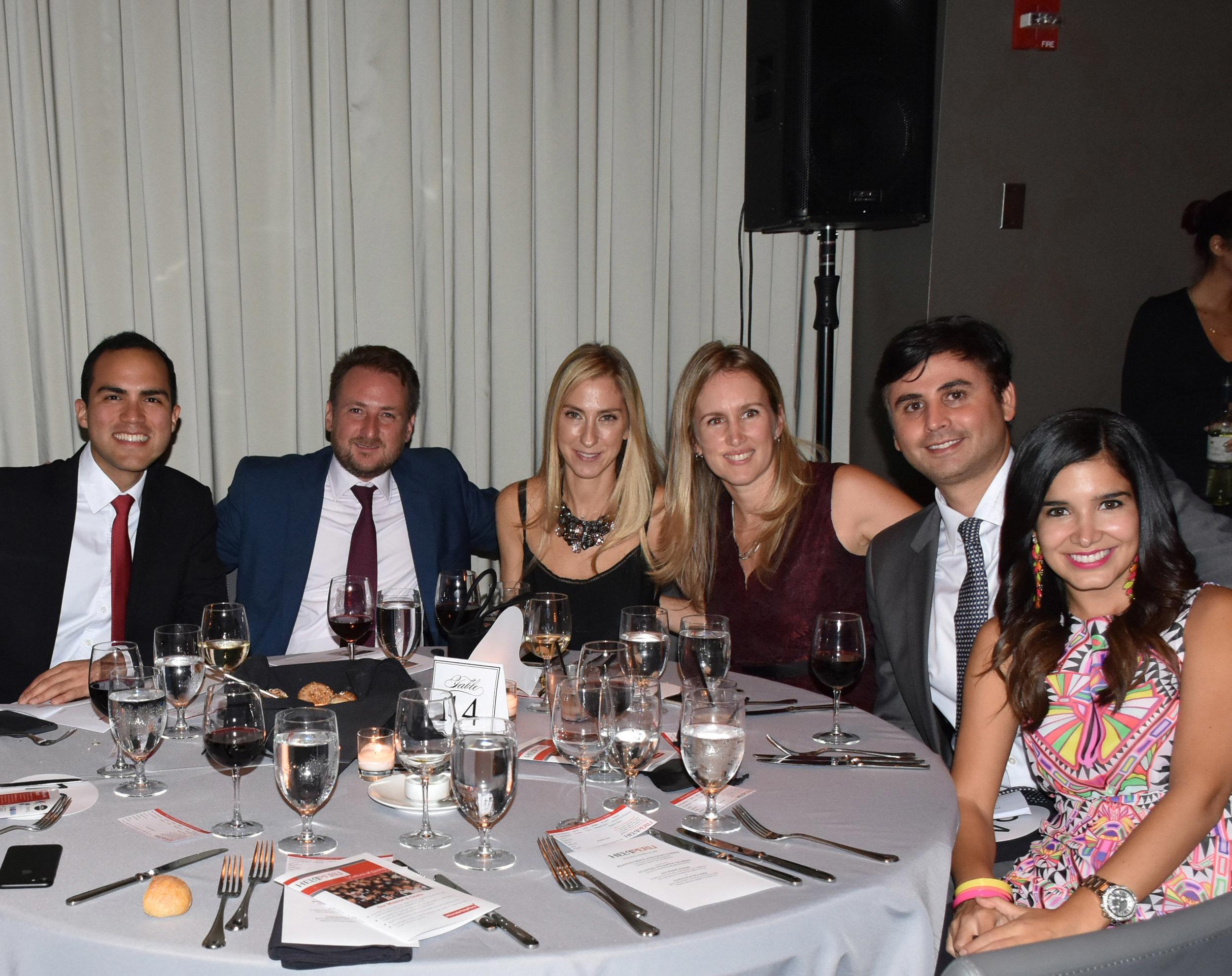 DSC_5104 - Joaquin Ormeno, Gordon Lee, Natalia Hrehoraszczuk, Muriel Jara, Luis Miguel Blondet y Marisol Tudela de Blondet.jpg