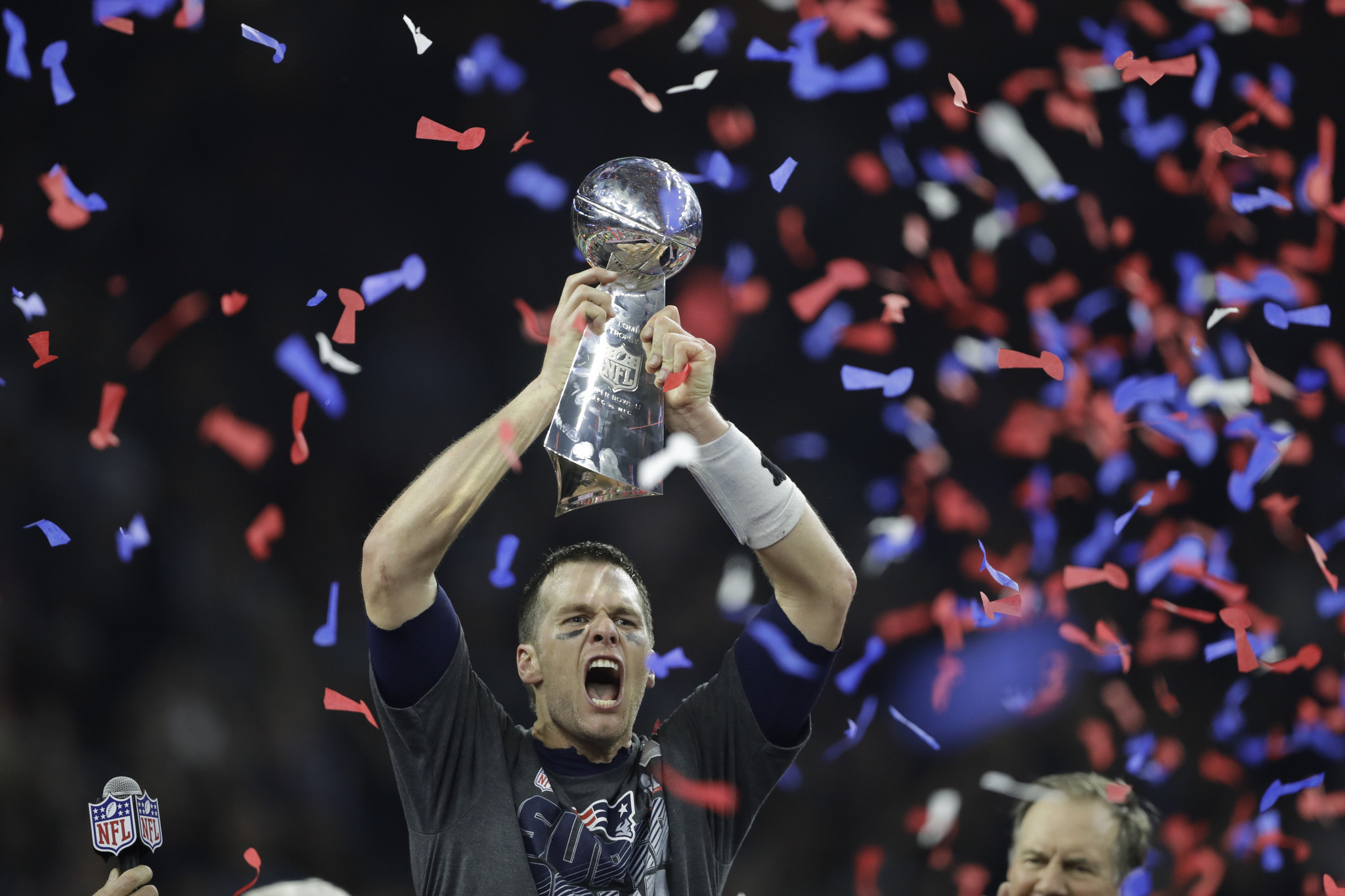 la-sp-super-bowl-li-patriots-vs-falcons-20170205-pictures.jpg