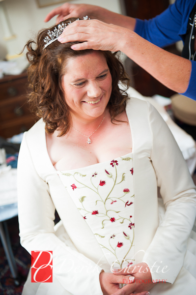 Alison-Jons-Wedding-At-Dirleton-Castle-7-of-40.jpg