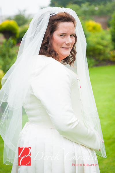 Alison-Jons-Wedding-At-Dirleton-Castle-8-of-40.jpg