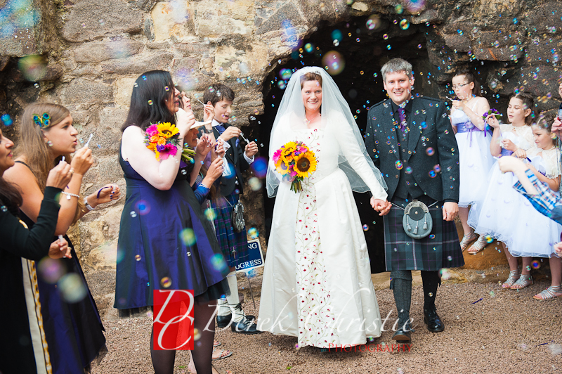 Alison-Jons-Wedding-At-Dirleton-Castle-21-of-40.jpg