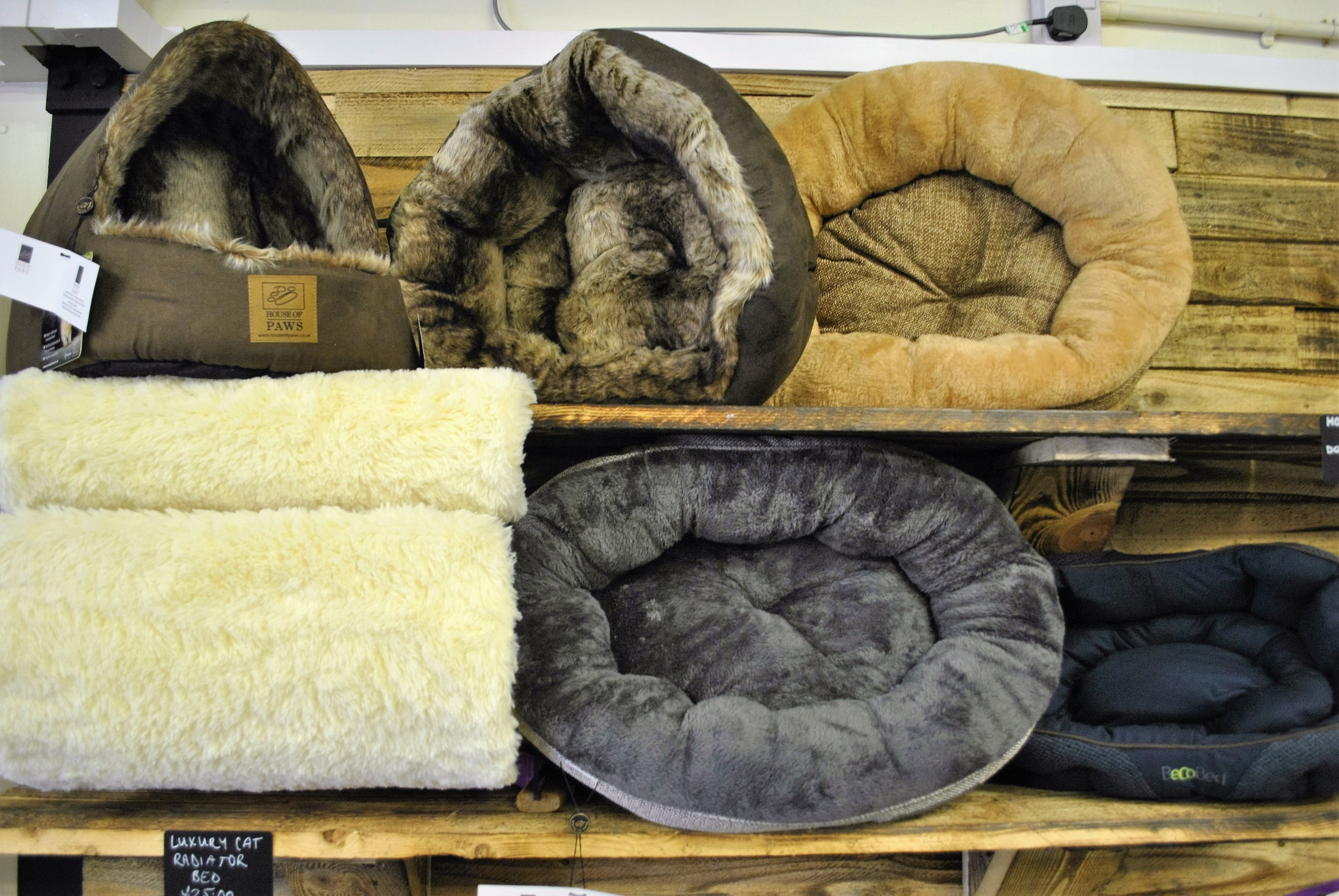 Cat beds for sale at Ginger&Browns pet shop in Northwich, Chester near Chester, Winsford, Frodsham. Shop in store or buy online.