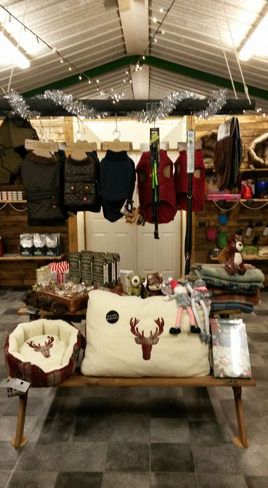 Christmas ideas, gifts, presents, jumpers, scarves, treats, dinner, beds, and advent calenders